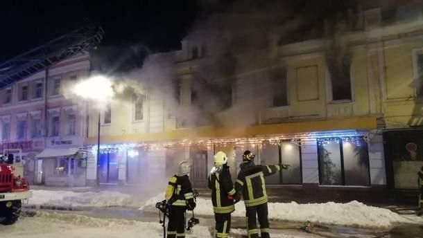В Киеве произошел масштабный пожар в ресторане