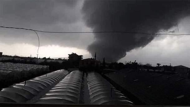На курорте в Турции пронесся разрушительный торнадо: есть жертвы
