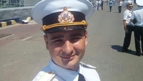 Российские врачи утверждают, что у пленного моряка Сороки рука отекла из-за эспандера