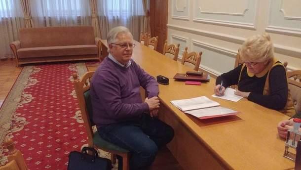 Петр Симоненко подал документы в ЦИК