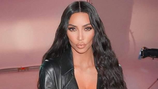 Ким Кардашян сменила имидж для рекламы