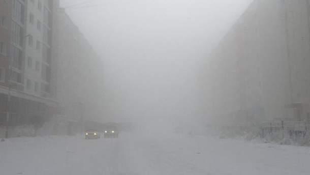 Через сильні тумани в Україні оголосили перший рівень небезпеки