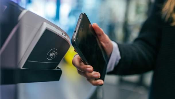 У транспорті  Івано-Франківська можна розраховуватись за допомогою NFC