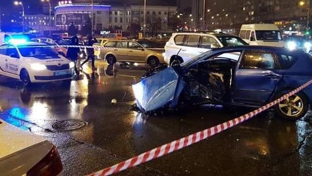 ДТП на проспекті Перемоги Київ — відео аварії 31 січня 2019 — 18+