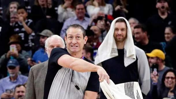 В НБА стая летучих мышей атаковала баскетболистов