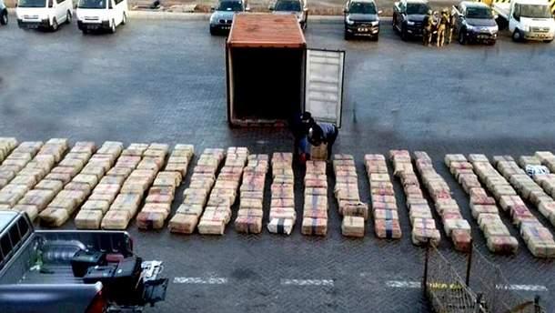 В Кабо-Верде задержали 11 российских моряков с рекордной партией кокаина