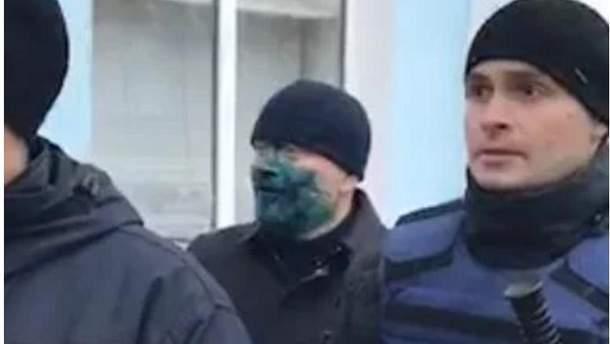 Кандидат в президенты Александра Вилкула облили зеленкой
