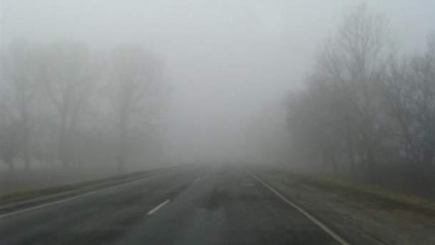 В Украине объявили первый уровень опасности из-за тумана и гололеда