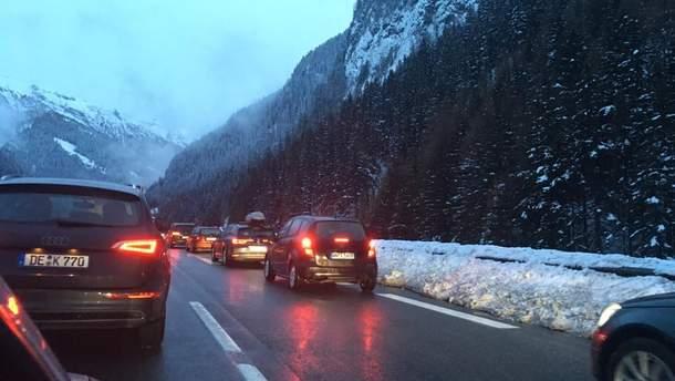 В Италии – километровые пробки из-за снегопада