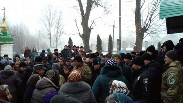 В УПЦ МП заявили об избиении полицией священника на Тернопольщине