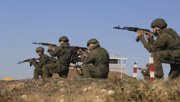 Российские морпехи проводят боевые учения в оккупированном Крыму