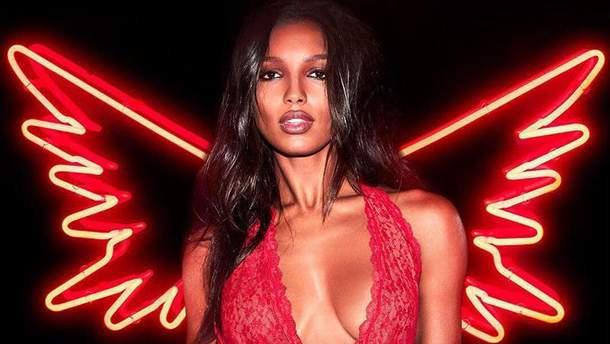 """""""Ангелы"""" Victoria's Secret показали новую коллекцию ко Дню влюбленных"""