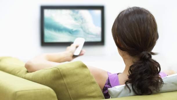 Просмотр телевизора увеличивает риск развития рака толстого кишечника и прямой кишки