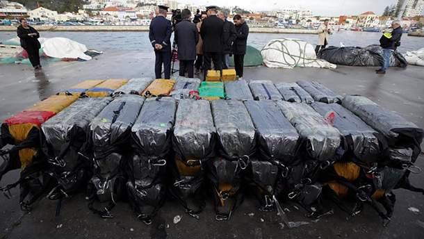 Возле берегов Португалии арестовали судно с 2,5 тоннами кокаина и украинскими моряками