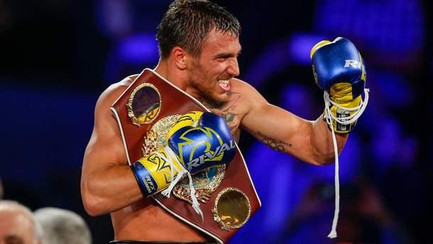 Команда Ломаченко ищет украинцу нового соперника