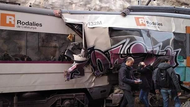 В Испании столкнулись поезда: 1 человек погиб, около 100 пострадали