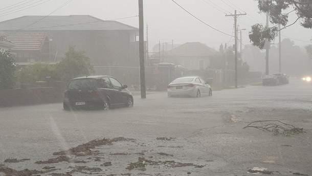 На Сидней обрушился разрушительный шторм