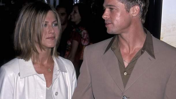 Брэд Питт и Дженнифер Энистон в 2001 году