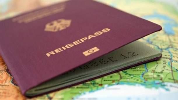 В Венгрии открывают производства против украинцев за подделку документов на гражданство