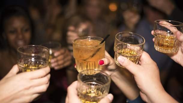 Алкоголь хотят признать наркотиком