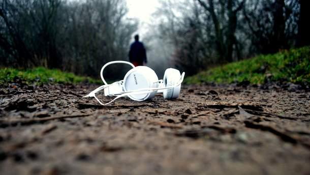 Громкая музыка вредит слуху