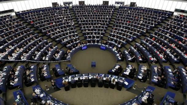 Европарламент осуждает нарушение Россией ракетного договора