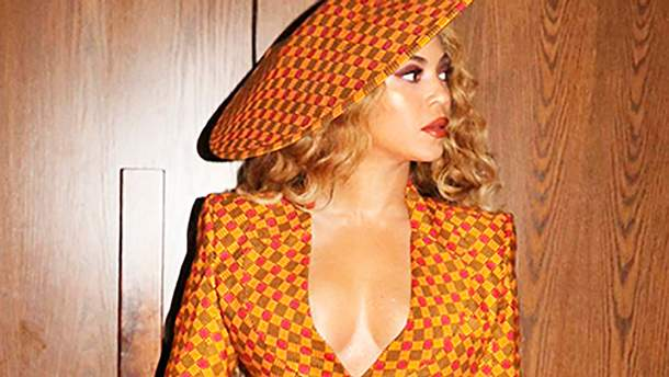 Бейонсе приміряла секспільний костюм