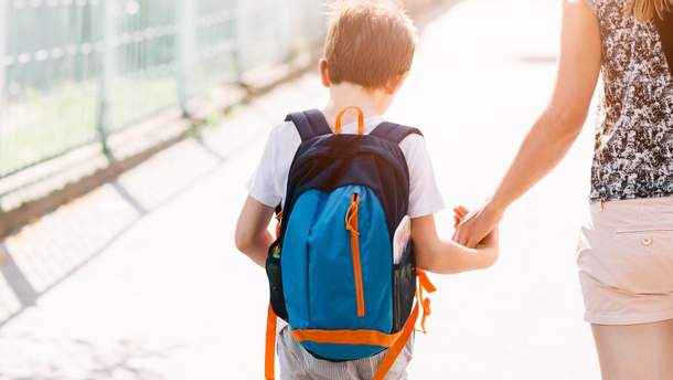 Супрун объяснила, стоит ли вести ребенка с кашлем в садик или школу
