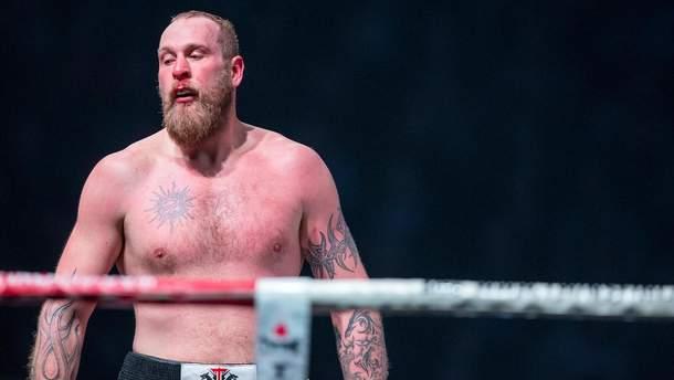 На бій з Усиком претендує боксер, який побив українського ветерана