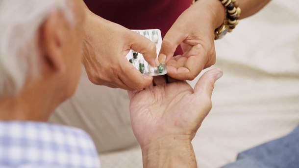 Экспериментальные лекарства от старения успешно испытали на людях (Иллюстрация)