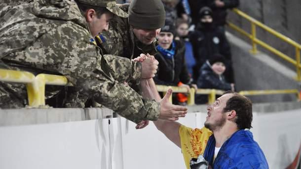 """Одні вболівальники поводяться нормально, а інші кричать """"фашист"""", – Зозуля про гру в Іспанії"""