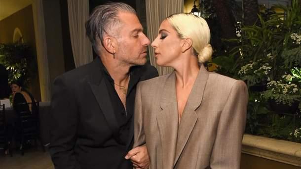 Леді Гага офіційно розійшлась з нареченим