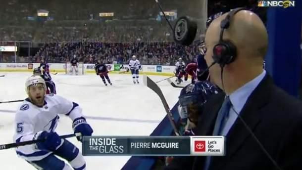 Під час матчу НХЛ шайба ледь не потрапила коментатору в голову: карколомне відео