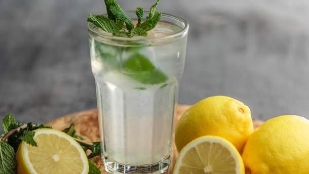 Вода с лимоном не ускорит метаболизм