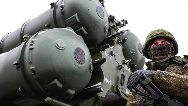Российские военные и техника в оккупированном Крыму
