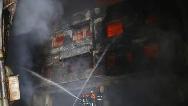 Пожар в Бангладеш 21.02.2019: погибли 81 человек – фото и видео пожара