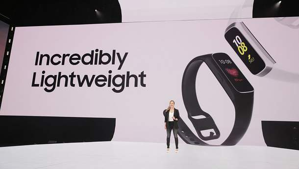 Samsung Galaxy Fit и Galaxy Fit E: цена и характеристики стильных фитнес-браслетов