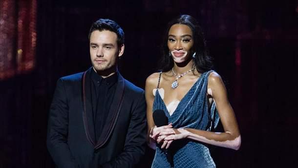 Brit Awards-2019: эффектные образы с красной дорожки