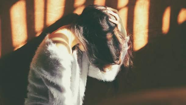 Чому болить голова і нудить