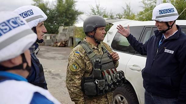Є, що приховувати: проросійські бойовики не пустили спостерігачів ОБСЕ в Донецьку область