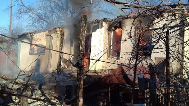 Руины после обстрела мирных населенных пунктов на Донбассе