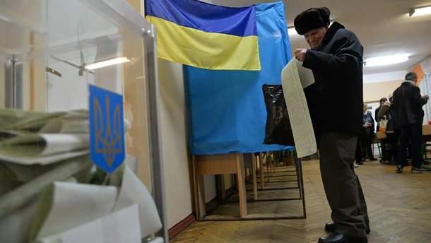 Вісім кандидатів у президенти забули у своїх програмах про Крим і Донбас, КВУ