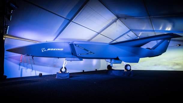 Boeing  Loyal Wingman // Boeing