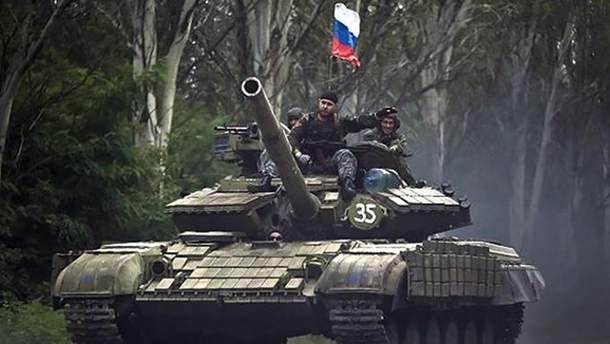 Окупанти знову розмістили бойову техніку на окупованому Донбасі