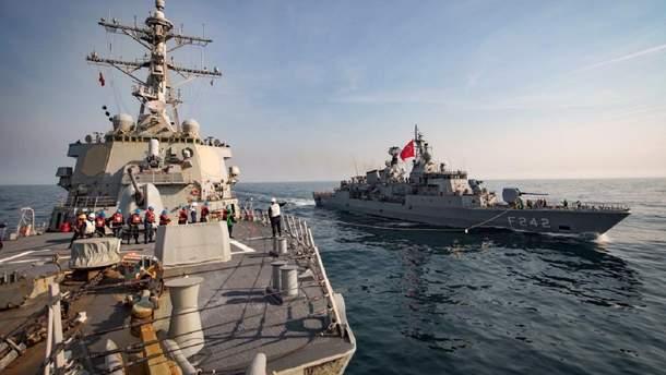 Есмінець USS Donald Cook