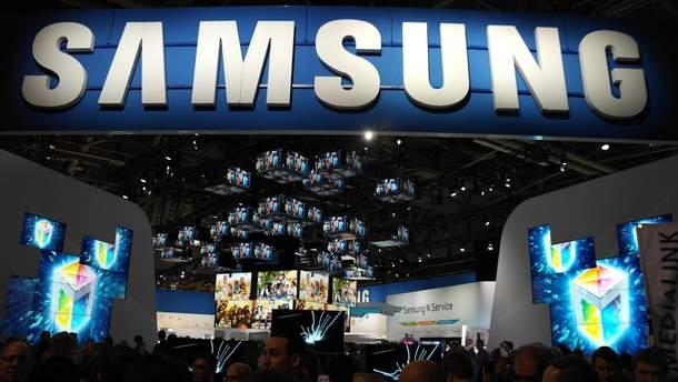 Samsung працює над створенням A90