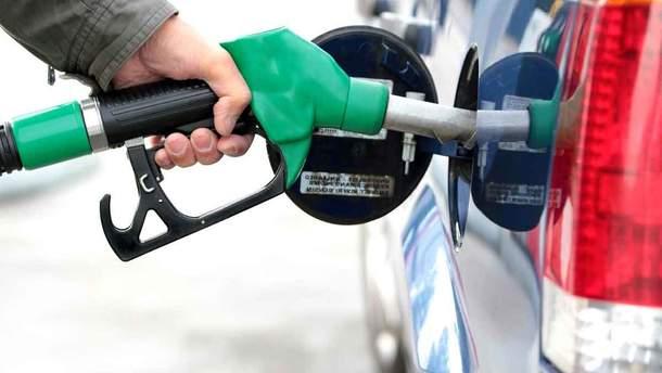 Где в Украине закупают самый дорогой и самый дешевый бензин