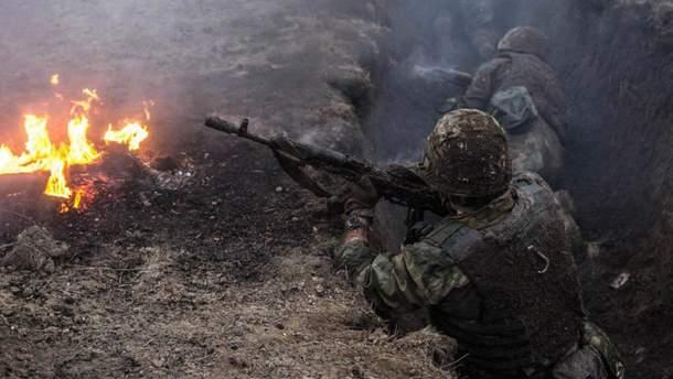 Окупанти гатять: троє українських військових поранені