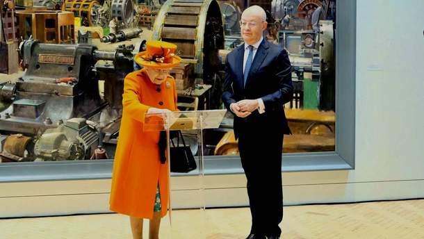 Королева Елизавета II опубликовала первый Instagram-пост
