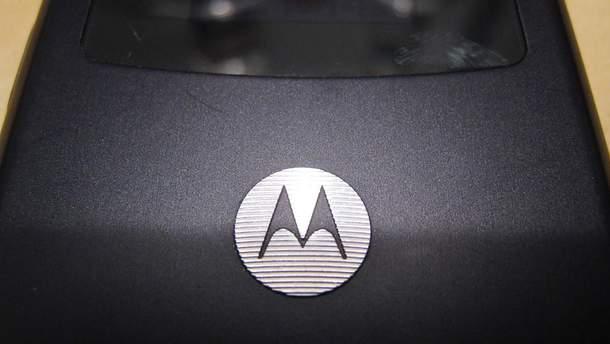 Основні особливості гнучкого смартфона Motorola Razr V3